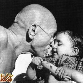 http://mandegar.tarikhema.org/images/2011/04/mahatma-gandhi-2.jpg