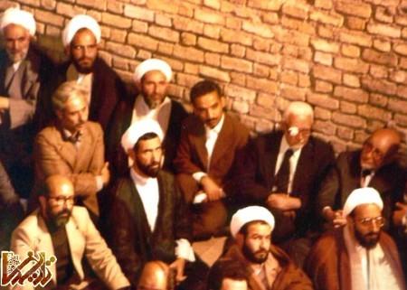 http://mandegar.tarikhema.org/images/2011/05/1294840457_Chamran-Rajayi-Bazargan-sahabi-bahonar011.jpg